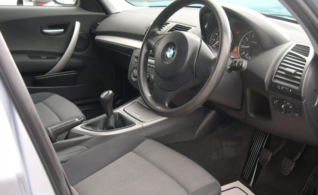 BMW 318 BLUE 015