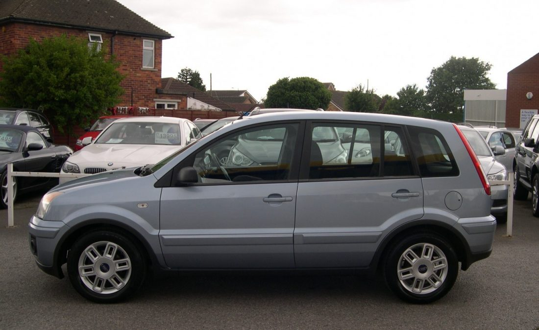 FORD FUSION 001