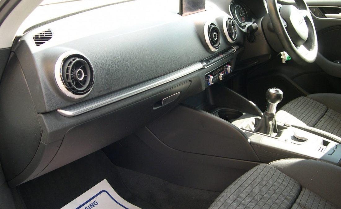 Audi A3 White 013