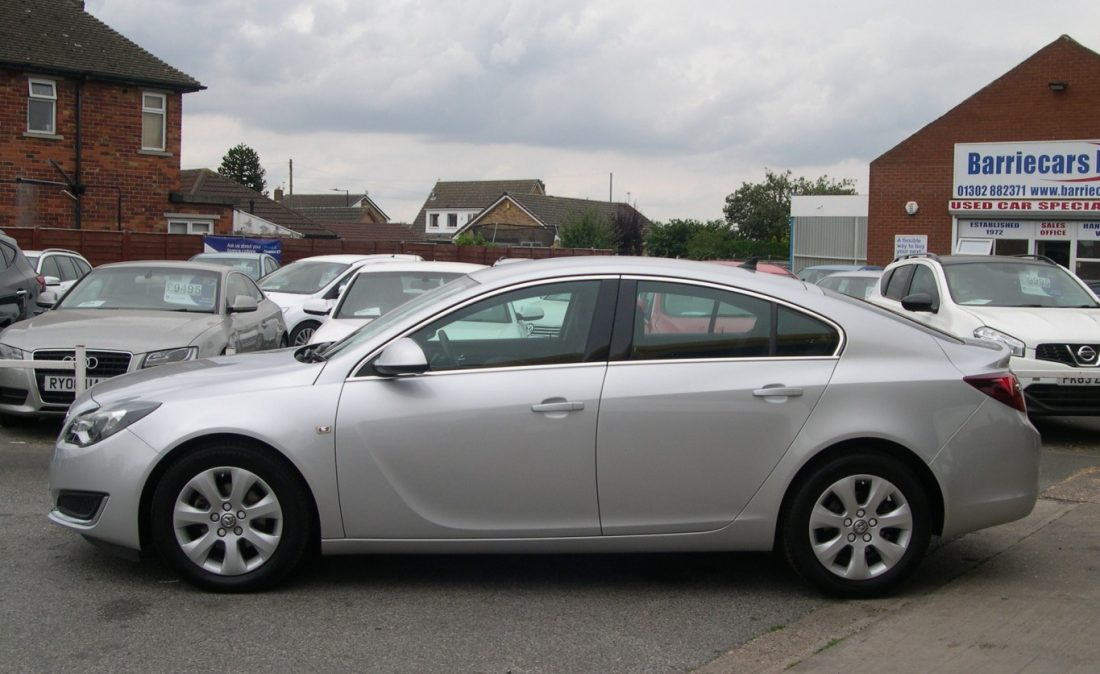 Vauxhall Insignia 2016 001