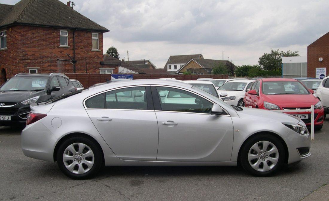 Vauxhall Insignia 2016 005