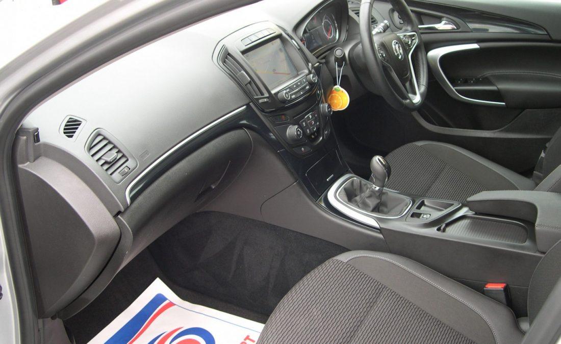 Vauxhall Insignia 2016 010