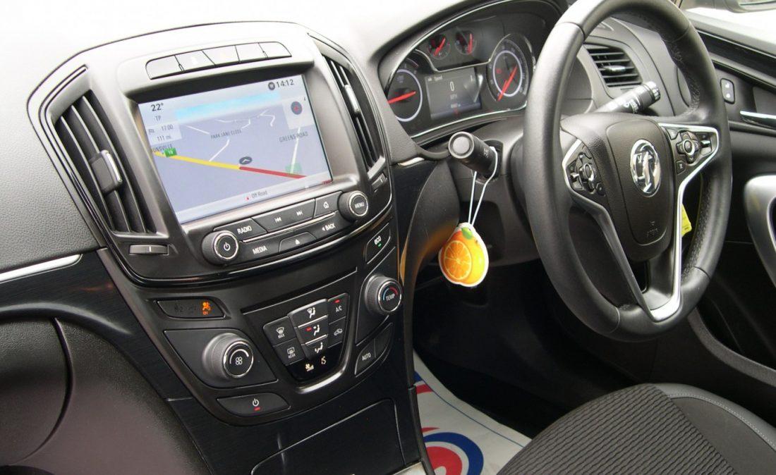 Vauxhall Insignia 2016 012