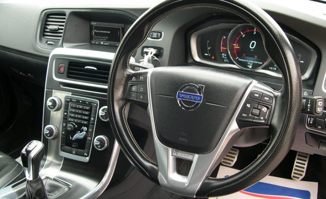 Volvo S60 R design 018