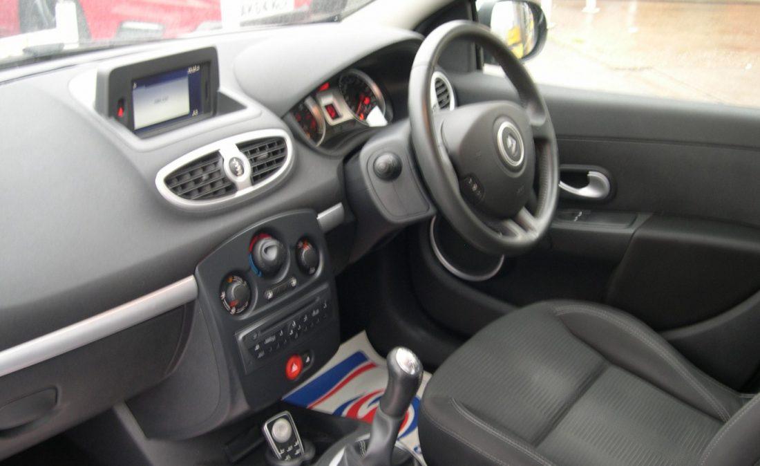 Clio Dynamique 2010 011