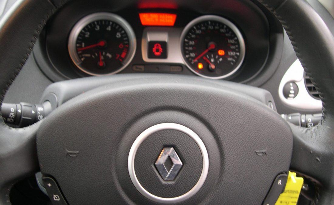 Clio Dynamique 2010 019