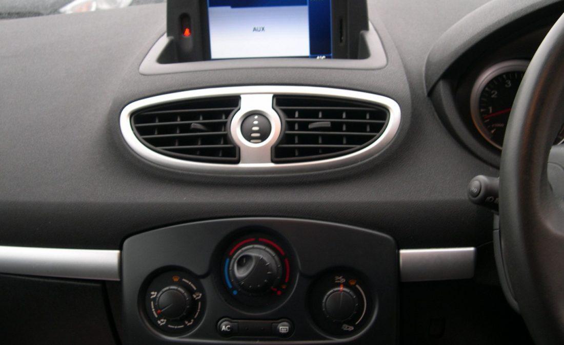 Clio Dynamique 2010 020